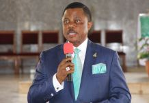 Foiled robbery: Gov. Obiano rewards eight policemen with N2m