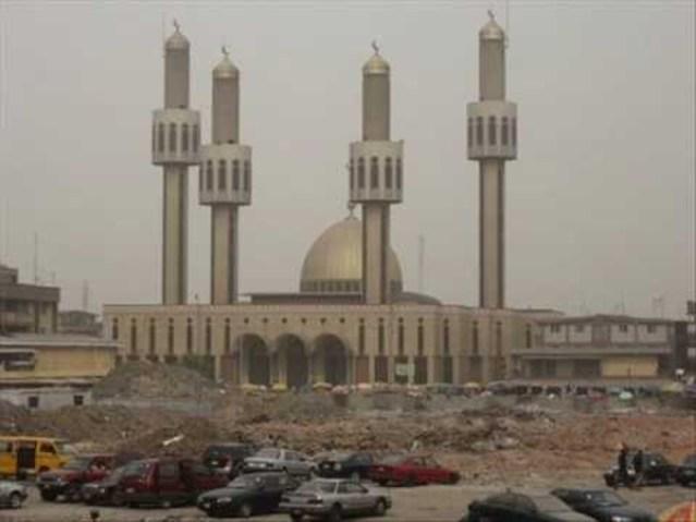 Saudi Arabia, UAE mosques to stay closed for Eid prayers