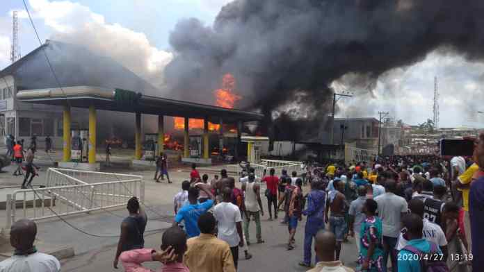Happening Now: Fire outbreak at NNPC filling station, Ogba Lagos