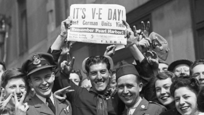 Welsh Jenkins sings Britain's VE Day hits from an empty Albert Hall