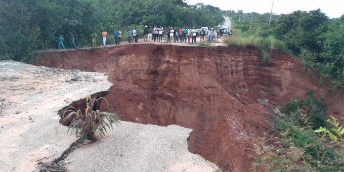 FG hands over Abia erosion site to contractor for rehabilitation