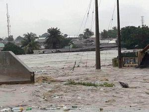 Flood takes over Abuja, Gwagwalada bridge, houses