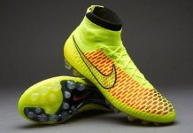 Strange! Brazilian club abandon training after football boots go missing