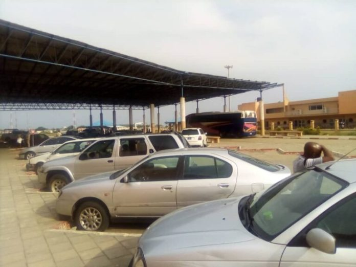 24 hours after Buhari's order, Seme border remains closed