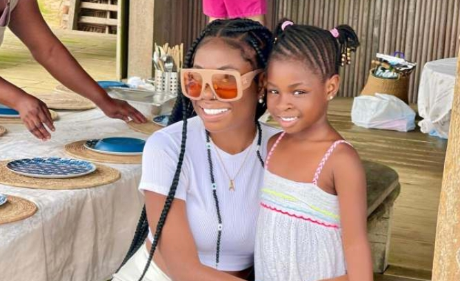 Davido's Babymama Recount How She Felt When Her Daughter Took Her Father's Last Name