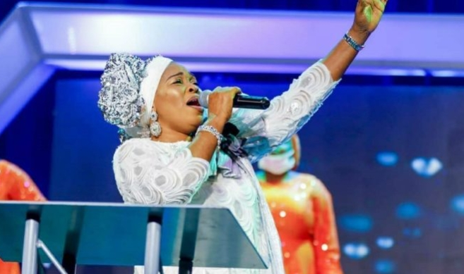 Tope Alabi Dragged For Condemning Popular Gospel Song (Video)