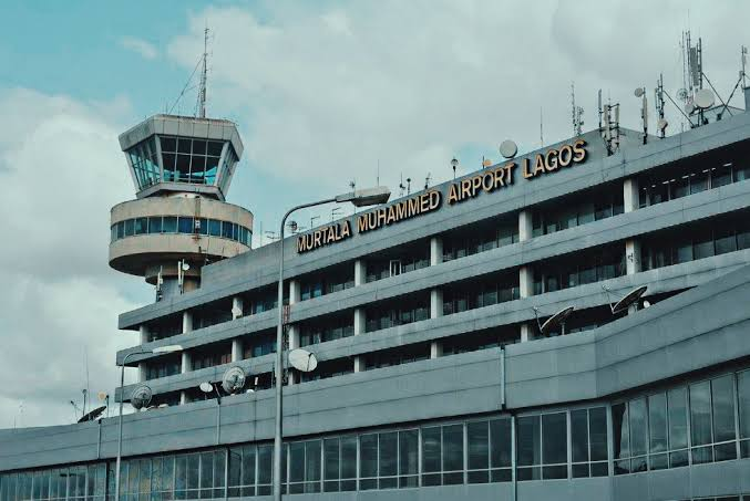 Breaking: Protest At MMA As Air Peace Reschedule 8am Flight By 12 Hours