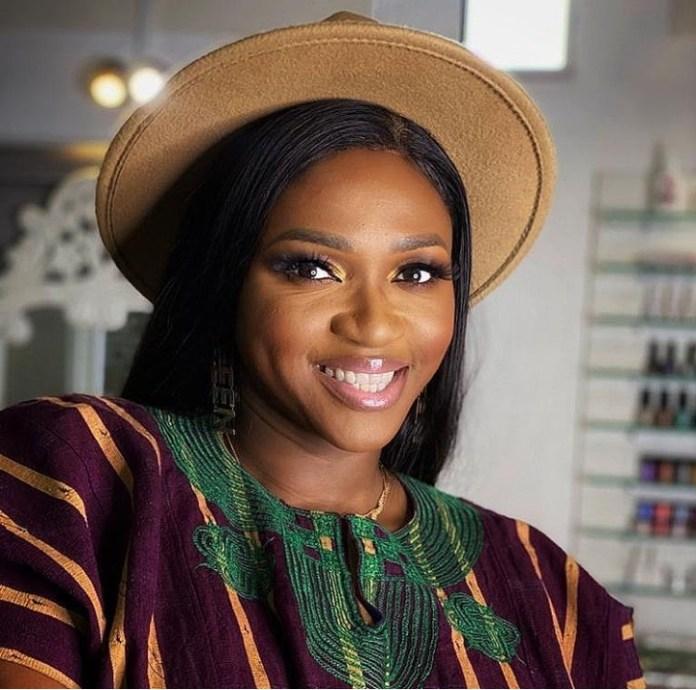 Nigerian Singer Waje's Dad Is Dead