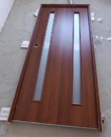 Сборку дверной коробки удобно производить в сборе