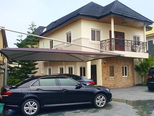 5 BEDROOM DETACHED HOUSE BUILT ON  A PARCEL OF LAND OF ABOUT 600 SQM FOR SALE AT LEKKI