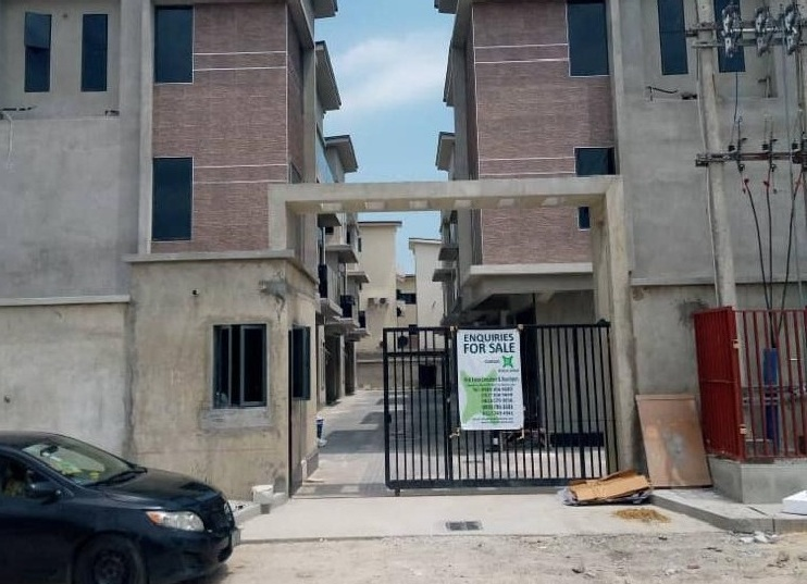 8 TERRACE APARTMENT OF 6 NO WITH EXCELLENT FACILITIES  FOR SALE AT VICTORIA ISLAND