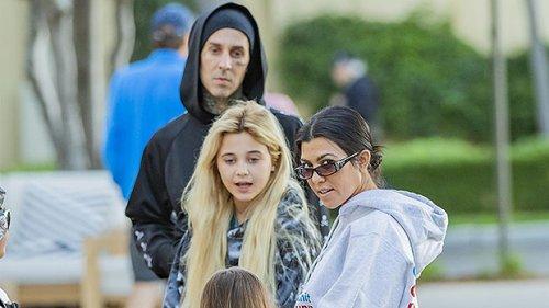 Travis Barker & Kourtney Kardashian Pack on the PDA in ...