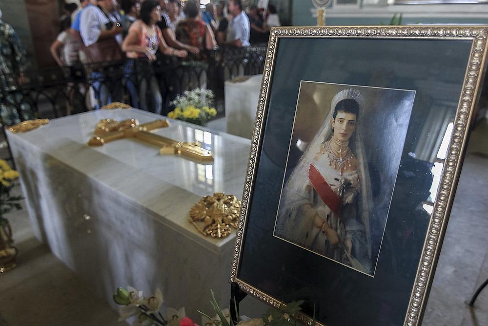 Фото петропавловская захоронение романовых
