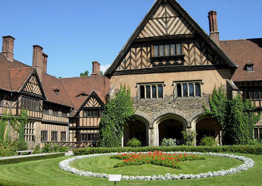 Cecilienhof_Palace