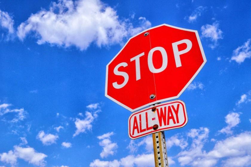 stop-sign-1174658_1920_1.jpg