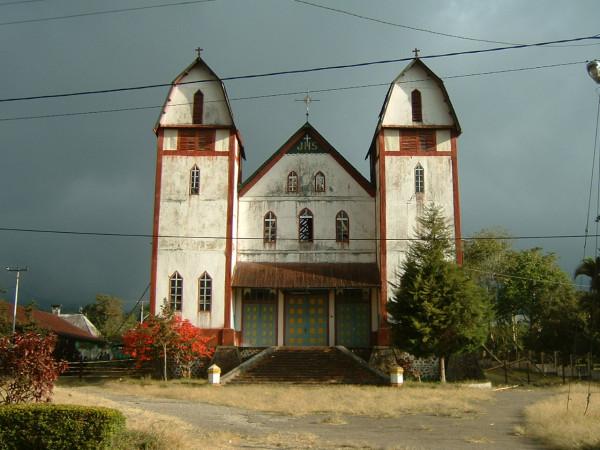 Gereja tua di Ruteng