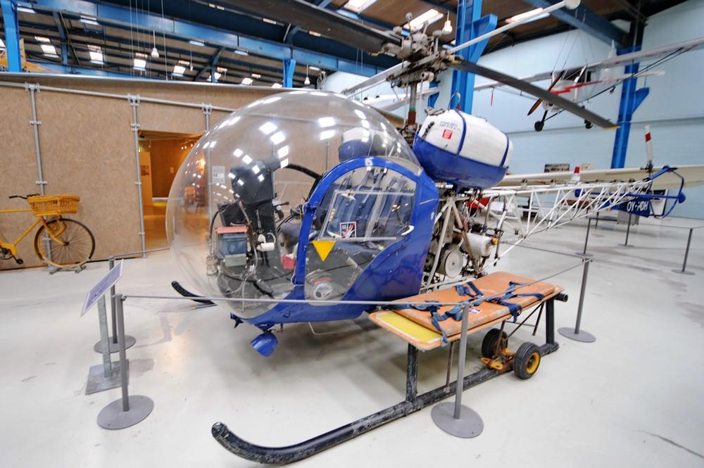 Вертолет Bell Westland 47G-3B-1 в датском техническом музее в Эльсиноре