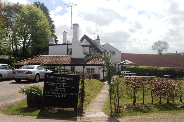 1 Loughpool Pub