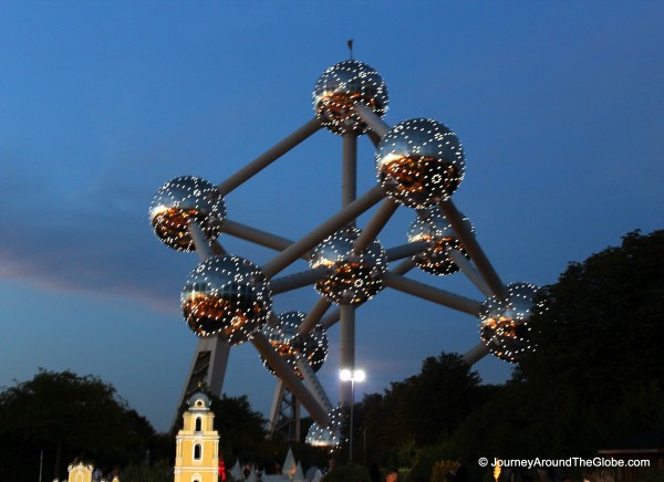 Atomium in the evening