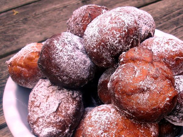 Ponchiki - icing sugar