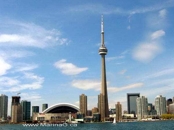 Unusual Houses of The World CN Tower Day Time