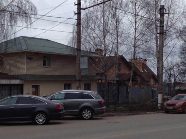 town houses white pervomaiskaia