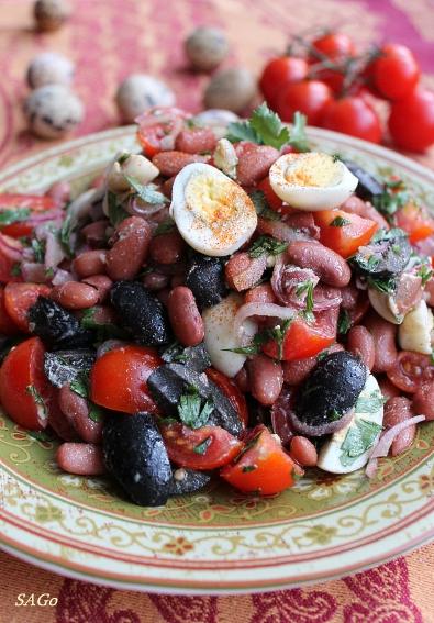 Салат с фасолью, помидорами и яйцом, турецкая кухня, рецепт с фото, эногастрономия
