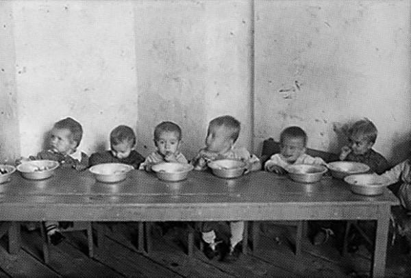 """Ко Дню защиты детей: Как Сталин """"счастливое"""" советское ..."""