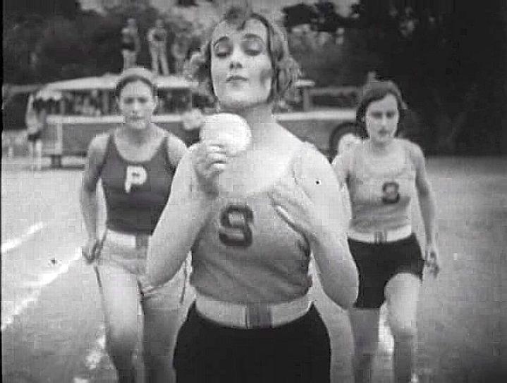carole lombard run, girl, run 07a