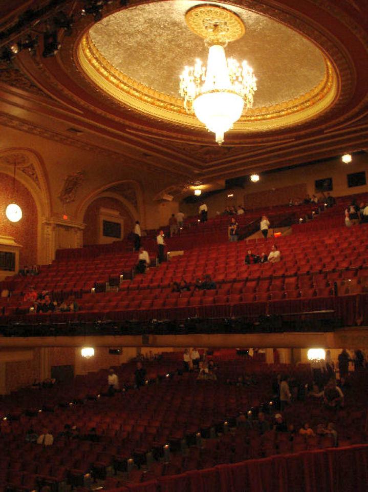 waukegan genesee theater 00a