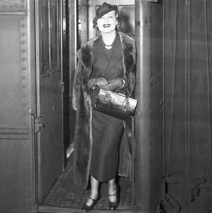 carole lombard 1935c new york train