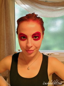 lady gaga red makeup2