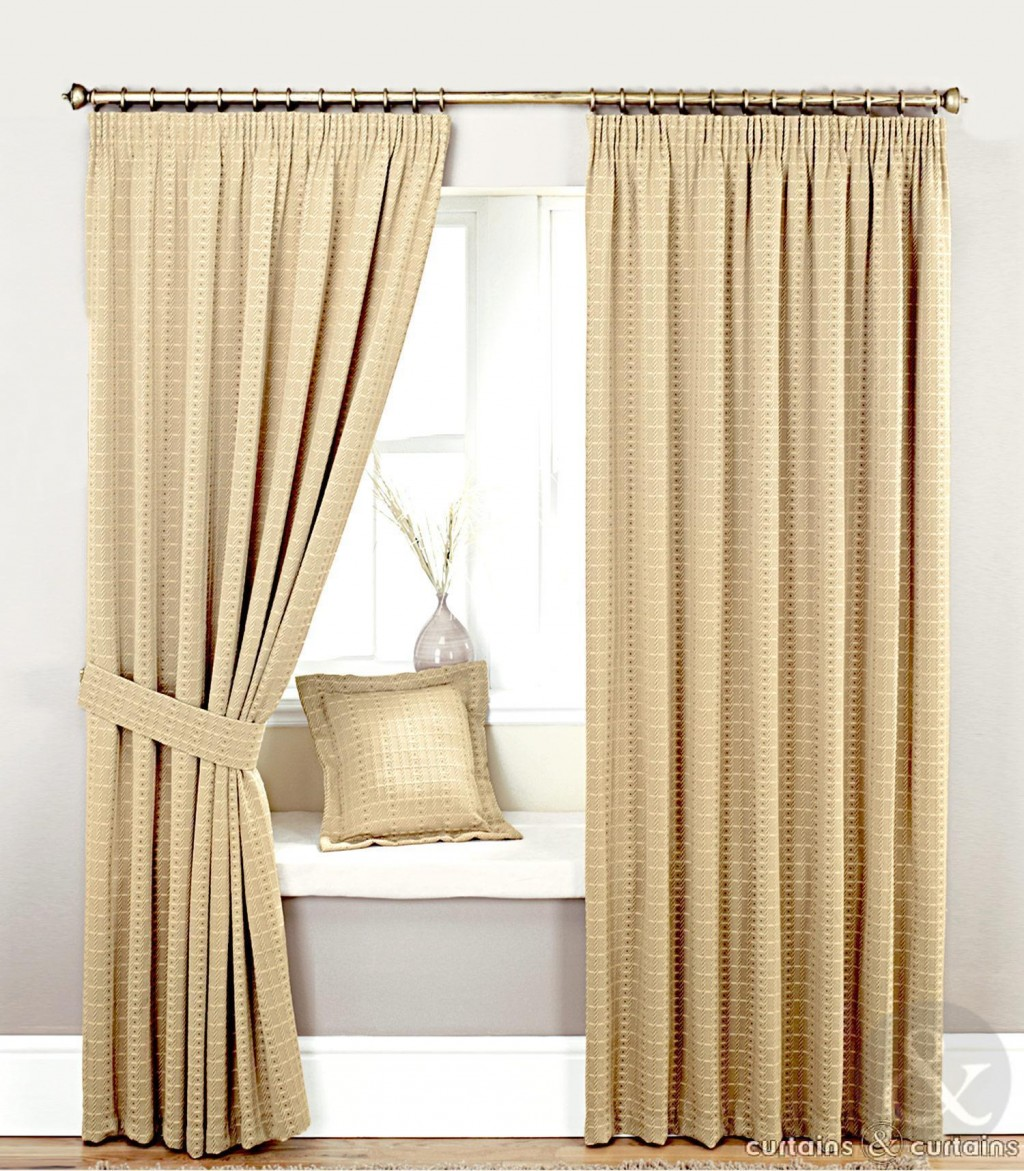 Bedroom Window Curtains And D S