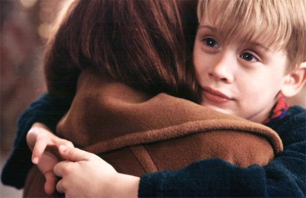 Macaulay Culkin stars as Kevin McCallister in the Christmas movie classic HOME ALONE (1990)