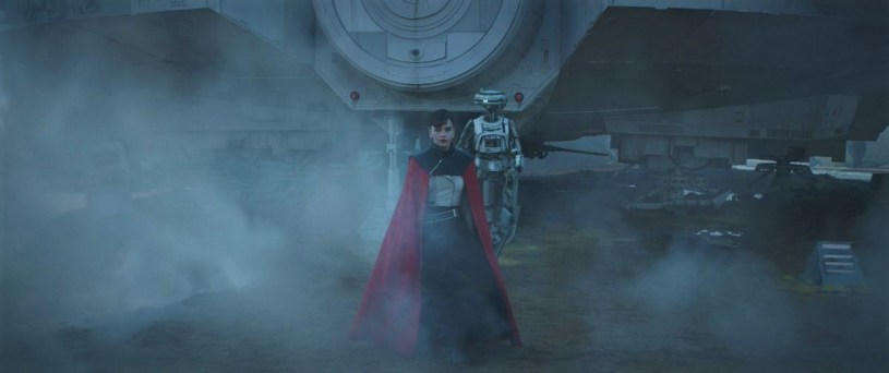 Emilia Clarke as Qi-Ra in SOLO: A STAR WARS STORY