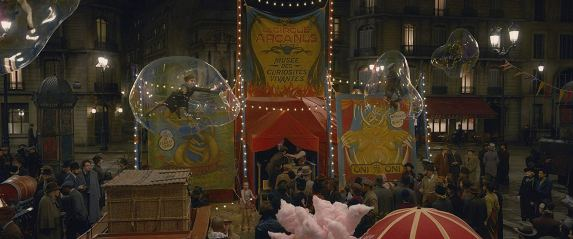 A Parisian circus in FANTASTIC BEASTS: THE CRIMES OF GRINDELWALD