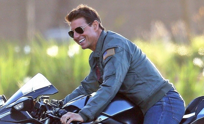*PREMIUM-EXCLUSIVE* Tom Cruise is spotted for the first time as he reprises his starring role in sequel to 'Top Gun' 32 years after hit film's original release **WEB EMBARGO UNTIL 11AM PST ON 10/10/18
