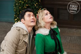 Henry Golding and Emilia Clarke star in LAST CHRISTMAS (2019)