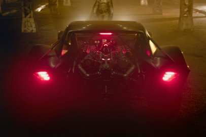 The rear-mounted engine of the new batmobile from the upcoming THE BATMAN (2021)