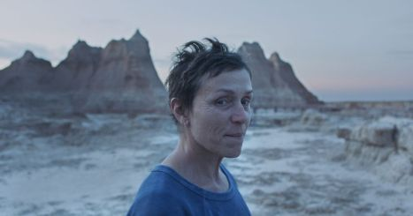 Frances McDormand stars in the new independent film from director Chloé Zhao, NOMADLAND (2020). Photo Courtesy of Searchlight Pictures. © 2020 20th Century Studios All Rights Reserved