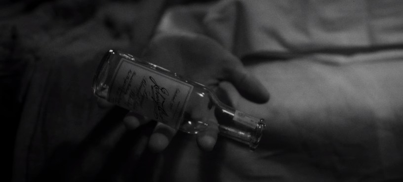 An homage to the snowglobe drop from CITIZEN KANE, in David Fincher's Netflix movie about the writing of the Orson Welles classic, MANK (2020).