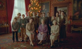 A Royal Family portrait in the Princess Diana biopic SPENCER (2021)