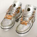 esculturas zapatillas residuos electrónicos