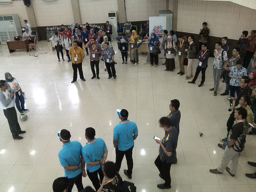 Briefing dipimpin Pak Andi dengan peserta kategori Smart Team.