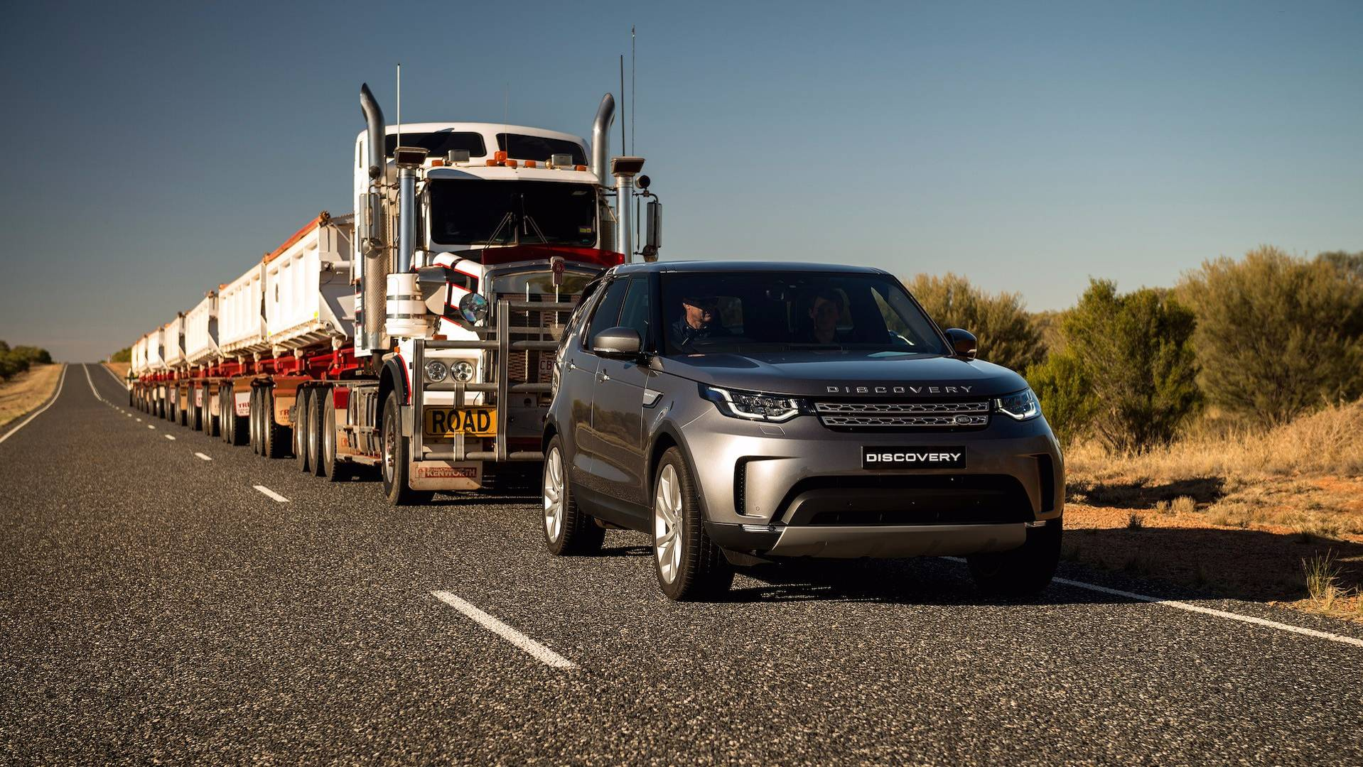 2018 Land Rover Discovery Gets New Standard Equipment SE Diesel