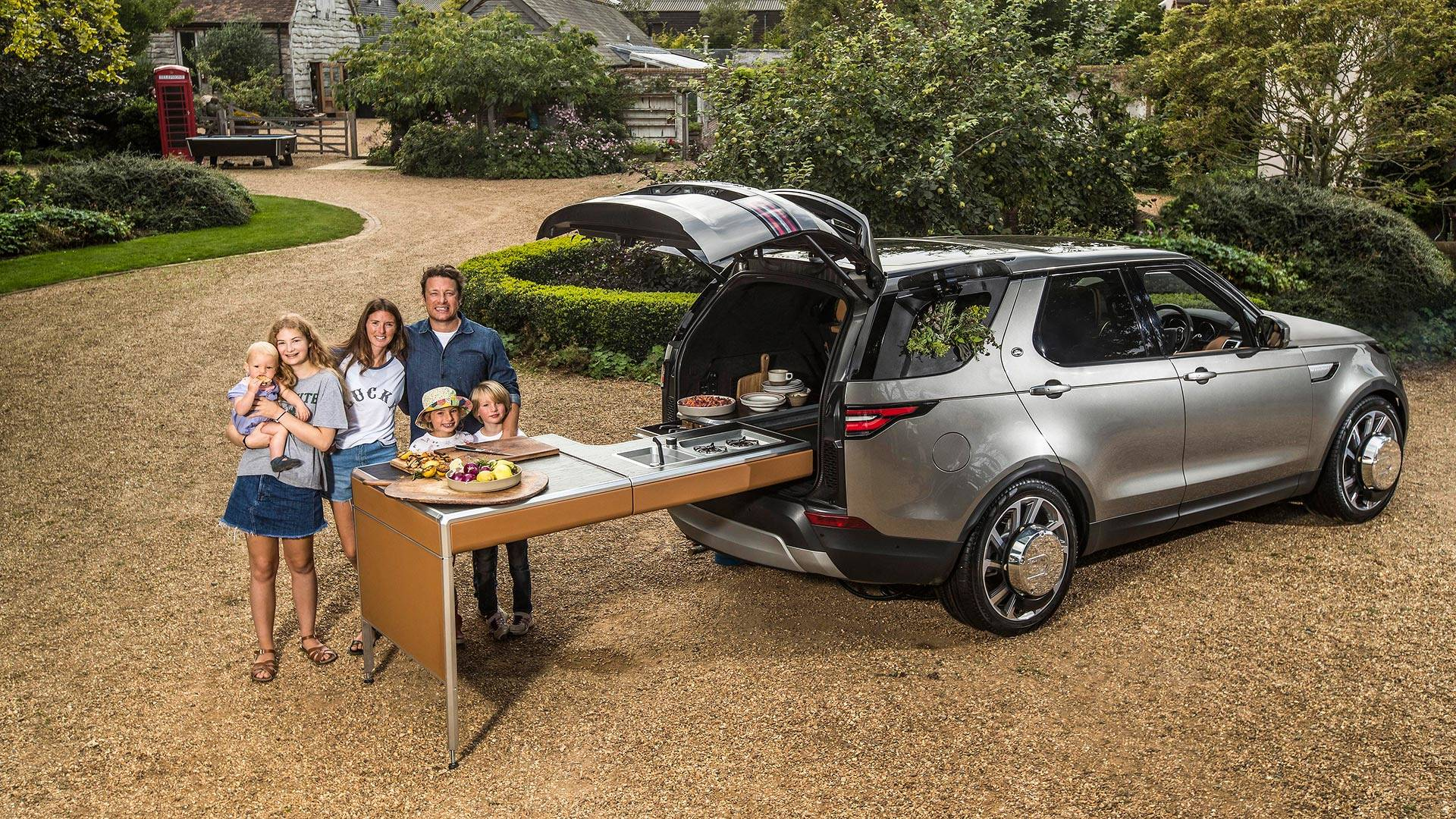 Jamie Oliver s Custom Land Rover Discovery Packs Board Kitchen