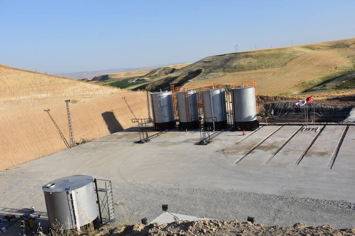 Diyarbakırlıların 'kuyu' sevinci: Arpa ektiğimiz yerden petrol fışkırdı #3