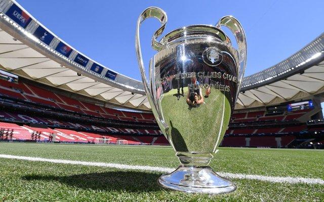 Champions-League-Trophy-before-final