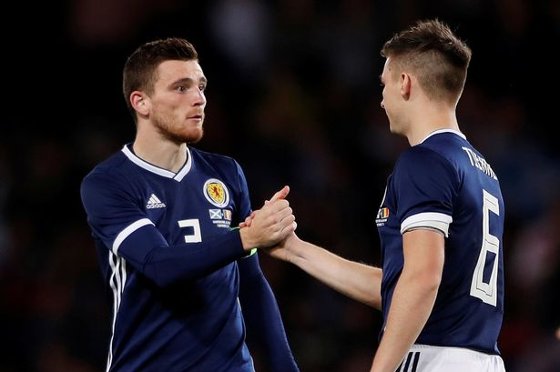 These fans debate who's better: Tierney or Robertson