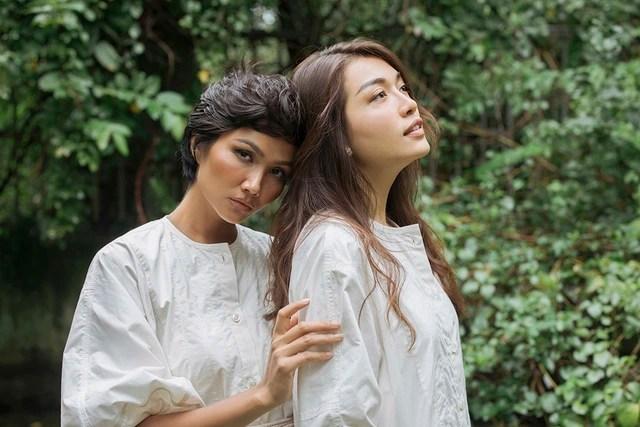 """Hoa hậu H'hen Niê và Lệ Hằng lại tung ảnh """"tình tứ"""" - 9"""